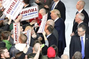 By Evan Guest - Donald Trump in Muscatine, Iowa, CC BY 2.0, https://commons.wikimedia.org/w/index.php?curid=46705061