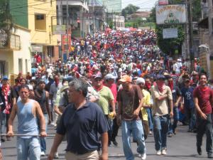 honduras_resistance_marches