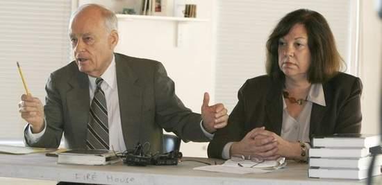 Vincent Bugliosi and Charlotte Dennett