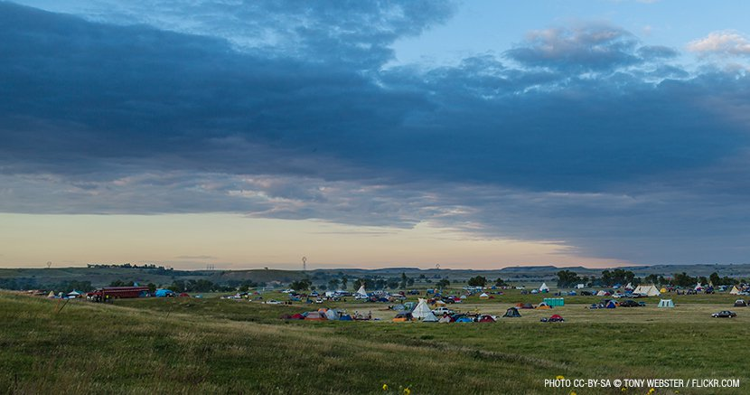 web_830px-media-sacred-stone-bakken-dakota-pipeline-protest-camp