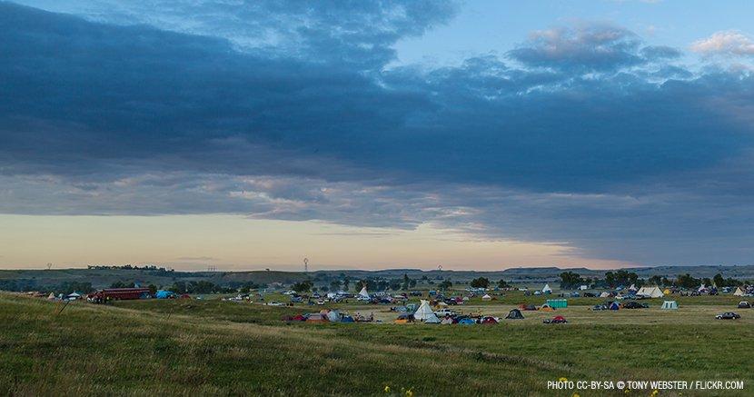 web_830px-media-sacred-stone-bakken-dakota-pipeline-protest-camp